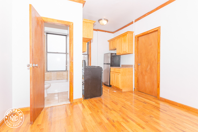 2 Bedrooms, Williamsburg Rental in NYC for $1,833 - Photo 1
