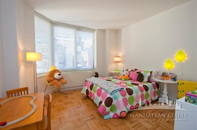 2 Bedrooms, Financial District Rental in NYC for $4,275 - Photo 2