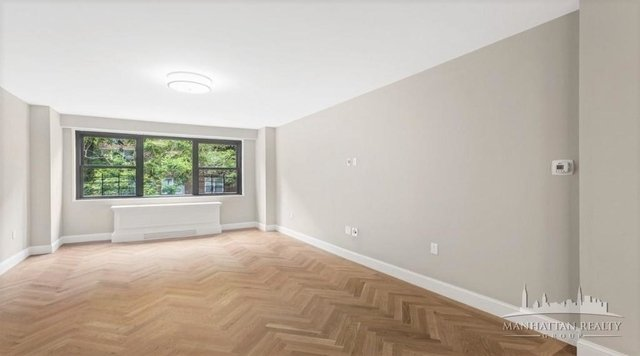 3 Bedrooms, Yorkville Rental in NYC for $6,083 - Photo 2
