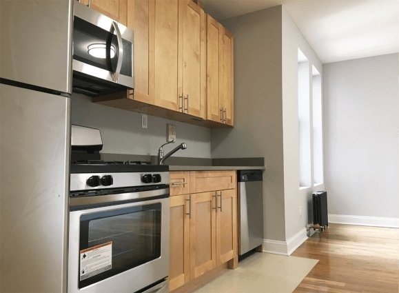 2 Bedrooms, Hudson Heights Rental in NYC for $2,895 - Photo 2