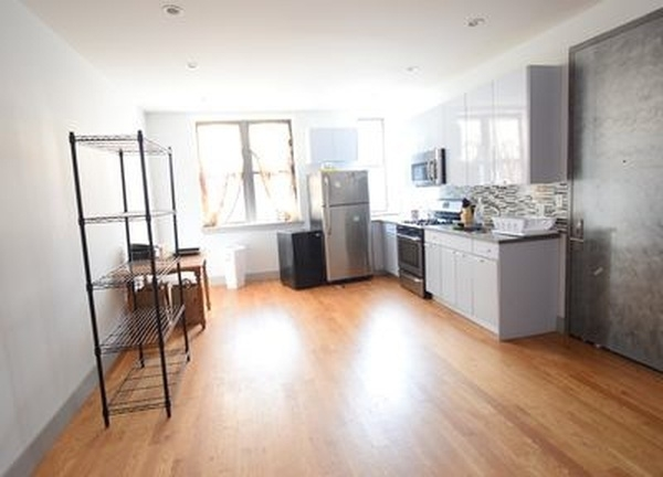 6 Bedrooms, Bedford-Stuyvesant Rental in NYC for $4,500 - Photo 1