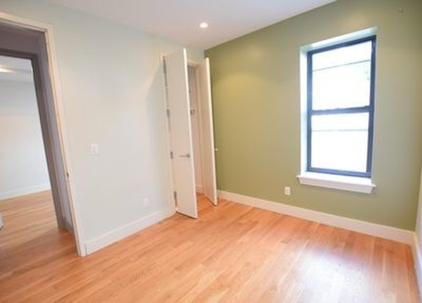 6 Bedrooms, Bedford-Stuyvesant Rental in NYC for $4,500 - Photo 2