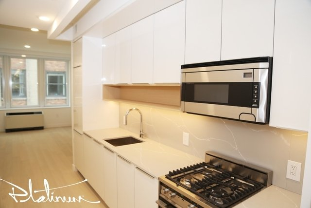 Studio, Financial District Rental in NYC for $3,112 - Photo 2