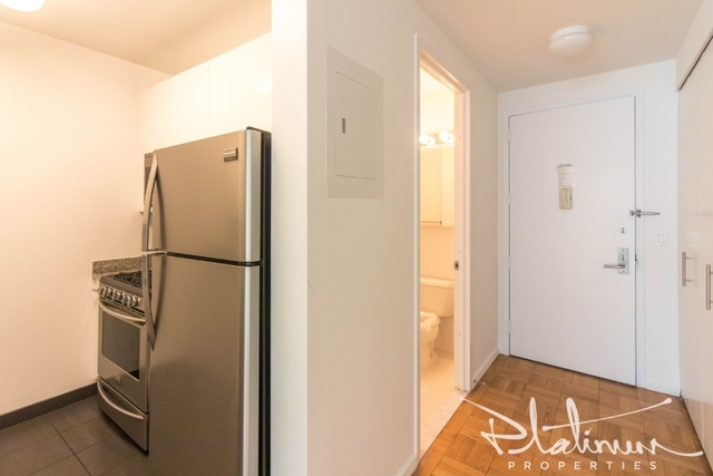 Studio, Hell's Kitchen Rental in NYC for $2,869 - Photo 2