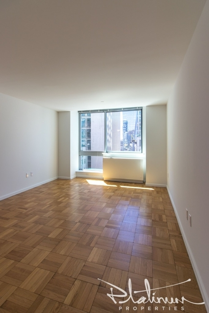 Studio, Hell's Kitchen Rental in NYC for $2,938 - Photo 1