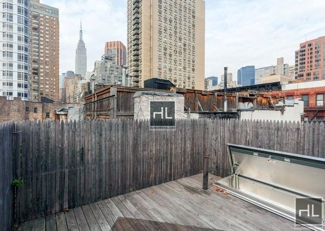 at East 32nd Street - Photo 1