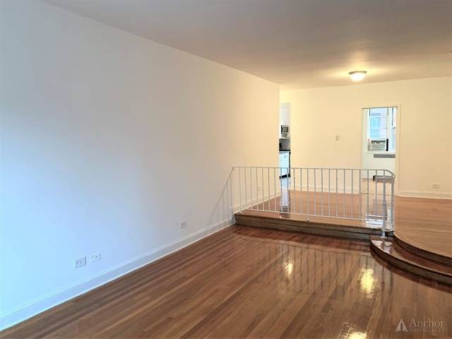 3 Bedrooms, Hell's Kitchen Rental in NYC for $5,595 - Photo 1