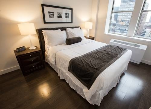 2 Bedrooms, Tribeca Rental in NYC for $5,998 - Photo 2