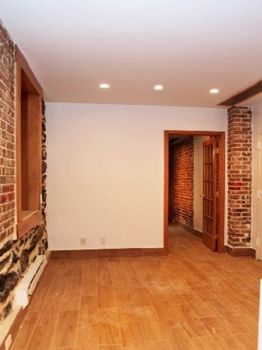 1 Bedroom, Civic Center Rental in NYC for $2,500 - Photo 2