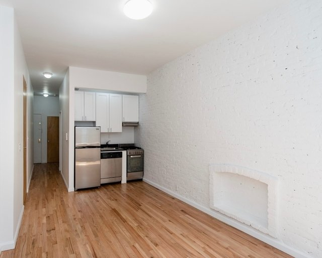 1 Bedroom, Rose Hill Rental in NYC for $3,589 - Photo 2