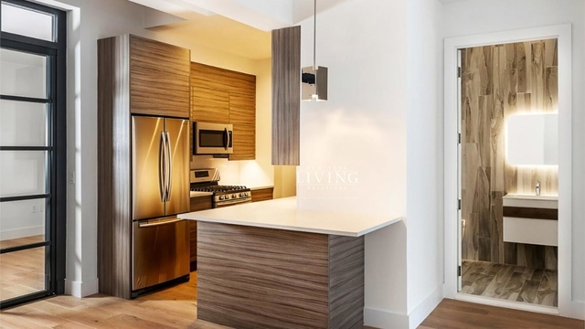 3 Bedrooms, Tribeca Rental in NYC for $10,800 - Photo 2