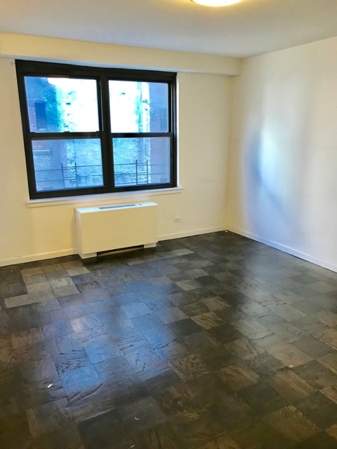 2 Bedrooms, Yorkville Rental in NYC for $5,680 - Photo 2