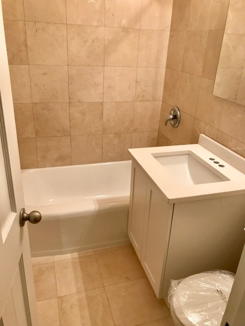 3 Bedrooms, Yorkville Rental in NYC for $8,100 - Photo 2