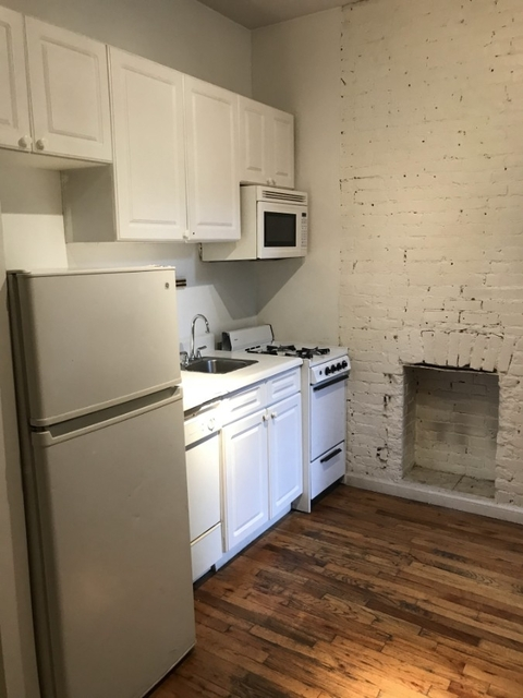 2 Bedrooms, Hell's Kitchen Rental in NYC for $3,195 - Photo 2