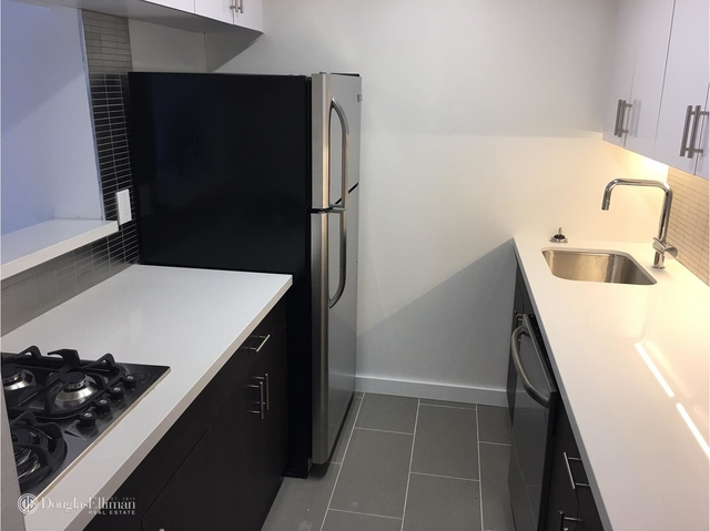 3 Bedrooms, Rose Hill Rental in NYC for $6,225 - Photo 2
