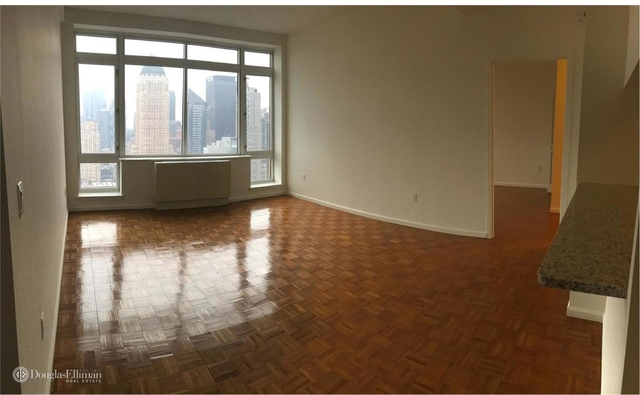 2 Bedrooms, Hell's Kitchen Rental in NYC for $6,150 - Photo 1