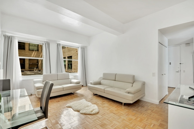 Studio, Financial District Rental in NYC for $600,000 - Photo 2