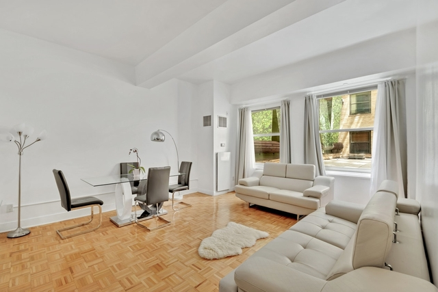 Studio, Financial District Rental in NYC for $600,000 - Photo 1