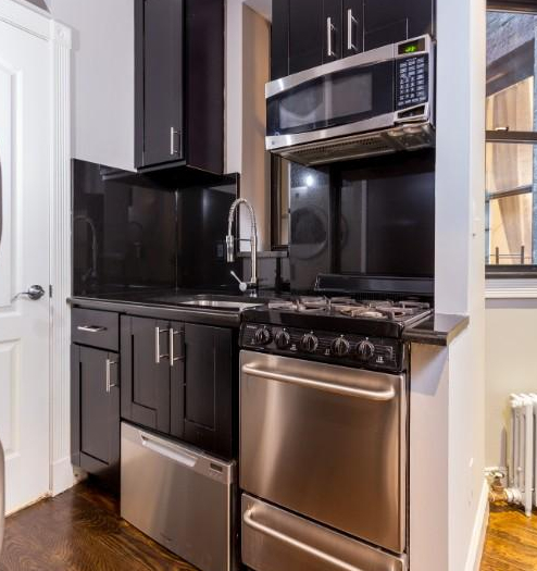 4 Bedrooms, Hell's Kitchen Rental in NYC for $6,595 - Photo 2