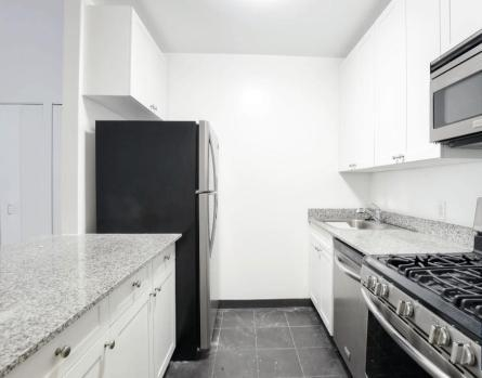 1 Bedroom, Financial District Rental in NYC for $2,740 - Photo 2