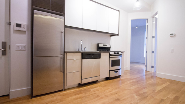 3 Bedrooms, Williamsburg Rental in NYC for $4,150 - Photo 2