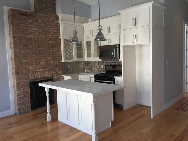 2 Bedrooms, Bushwick Rental in NYC for $2,950 - Photo 1