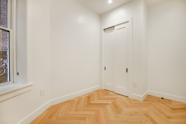 2 Bedrooms, South Slope Rental in NYC for $4,300 - Photo 2