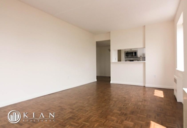 3 Bedrooms, Battery Park City Rental in NYC for $8,055 - Photo 1