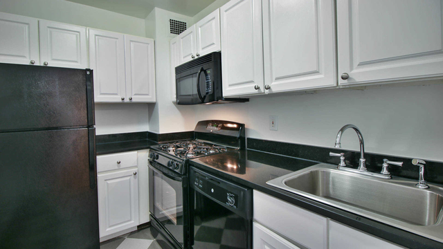 1 Bedroom, Yorkville Rental in NYC for $3,397 - Photo 1