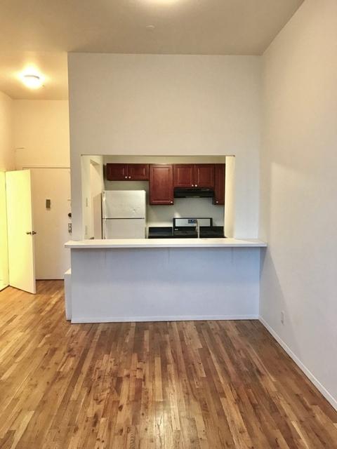 1 Bedroom, Woodside Rental in NYC for $1,950 - Photo 2