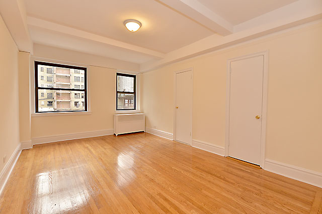 3 Bedrooms, Gramercy Park Rental in NYC for $5,250 - Photo 2