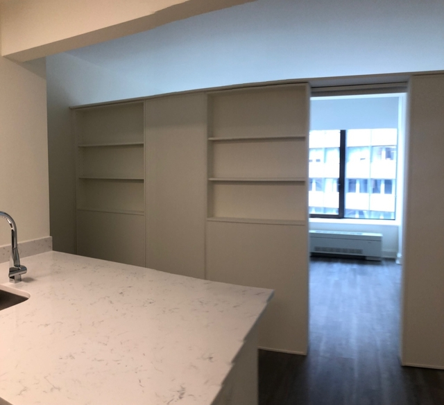 Studio, Financial District Rental in NYC for $3,196 - Photo 2