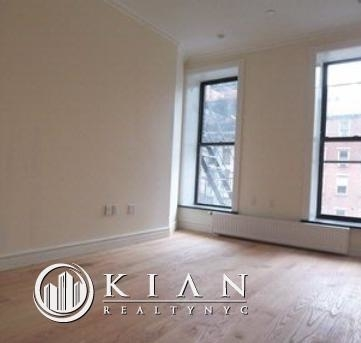 2 Bedrooms, East Village Rental in NYC for $5,313 - Photo 2
