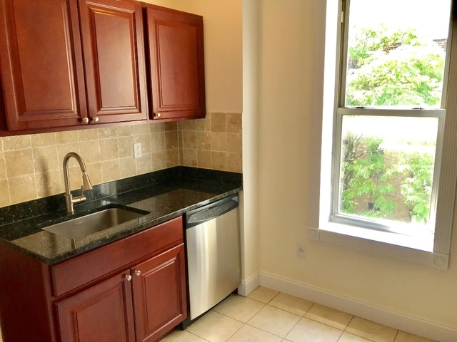 2 Bedrooms, Hell's Kitchen Rental in NYC for $3,425 - Photo 2