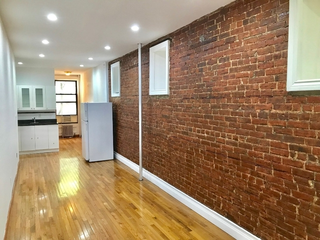 3 Bedrooms, Hell's Kitchen Rental in NYC for $3,400 - Photo 2