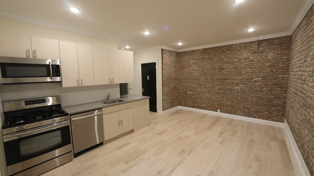 4 Bedrooms, Bushwick Rental in NYC for $4,015 - Photo 1