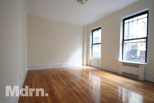 1 Bedroom, Theater District Rental in NYC for $3,100 - Photo 2