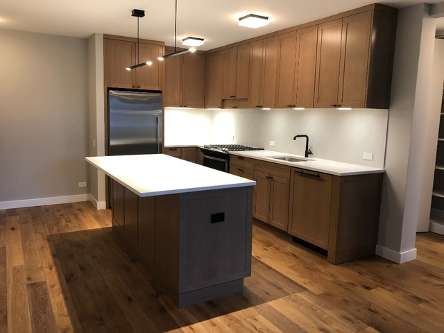 3 Bedrooms, Hell's Kitchen Rental in NYC for $6,500 - Photo 2
