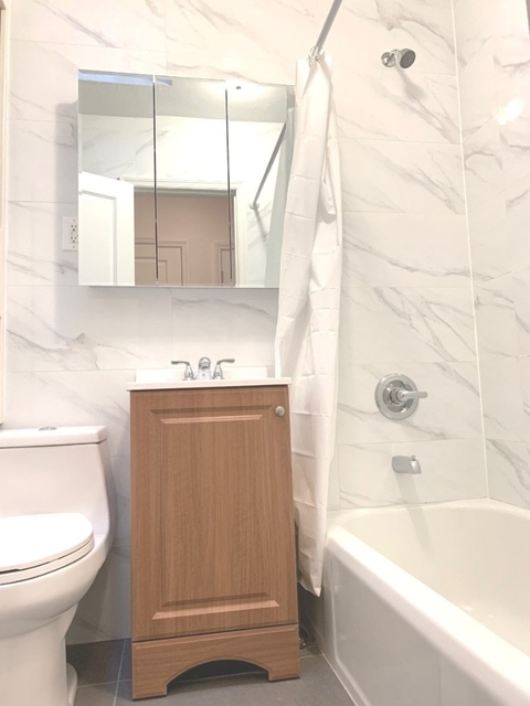 Studio, Midtown East Rental in NYC for $2,738 - Photo 2