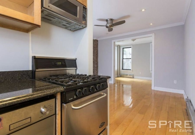 2 Bedrooms, West Village Rental in NYC for $5,038 - Photo 2