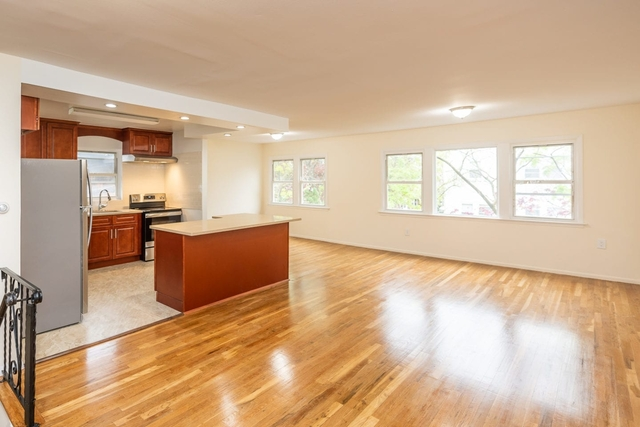 3 Bedrooms, Bayside Rental in NYC for $2,800 - Photo 1
