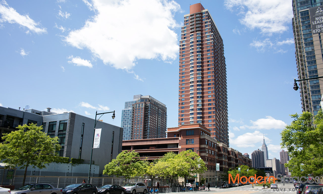 2 Bedrooms, Hunters Point Rental in NYC for $3,750 - Photo 1