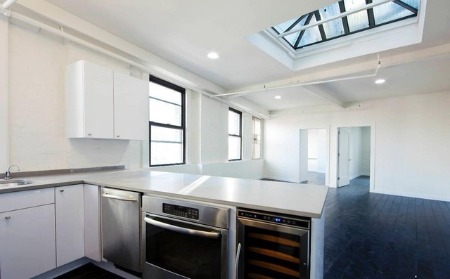 2 Bedrooms, SoHo Rental in NYC for $6,705 - Photo 1