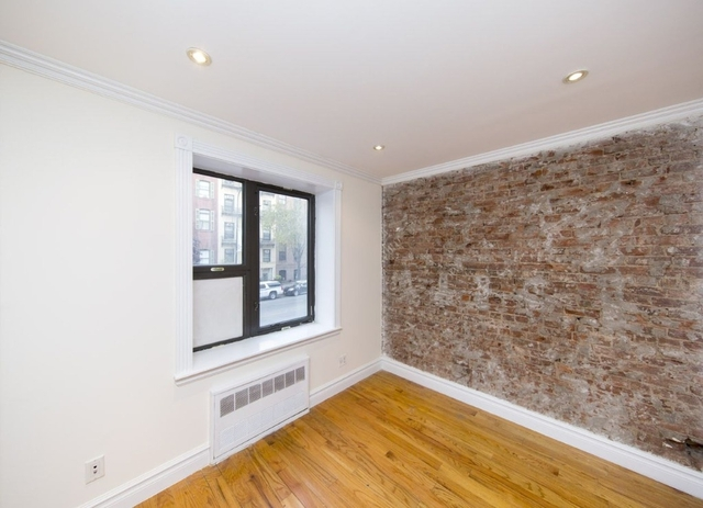 3 Bedrooms, West Village Rental in NYC for $5,600 - Photo 2