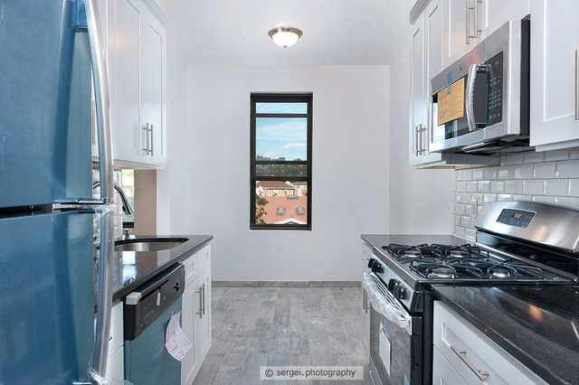 2 Bedrooms, Murray Hill, Queens Rental in NYC for $2,700 - Photo 1