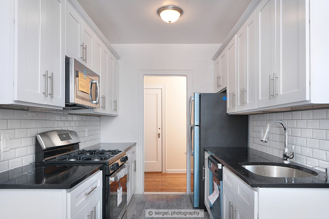 2 Bedrooms, Murray Hill, Queens Rental in NYC for $2,700 - Photo 2