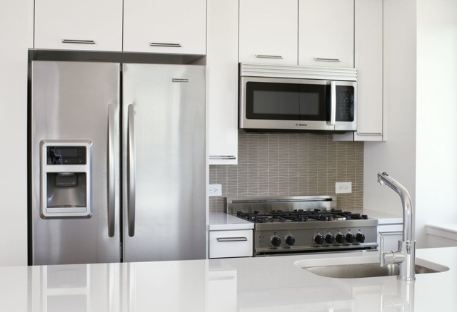2 Bedrooms, Upper West Side Rental in NYC for $8,275 - Photo 2