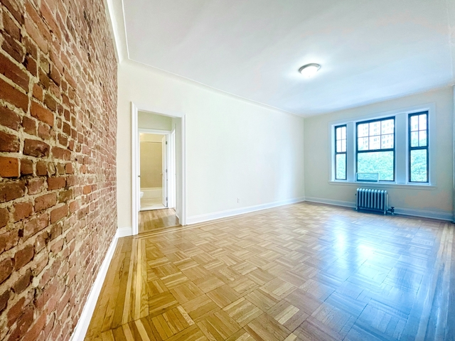 2 Bedrooms, West Village Rental in NYC for $5,800 - Photo 1
