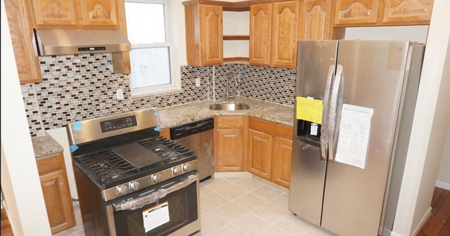 3 Bedrooms, Bay Ridge Rental in NYC for $2,799 - Photo 1