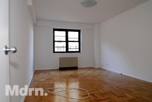1 Bedroom Lenox Hill Rental In Nyc For 2 975 Photo